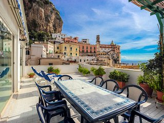 LivingAmalfi: Siren1 apartment,sea view, wifi, AC. Short distance to the beach