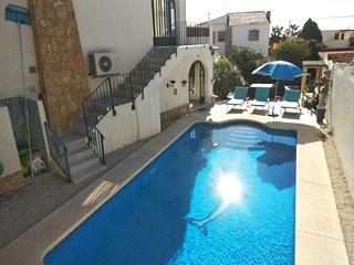 Villa Rod Calpe 8p, private pool,wifi,sky
