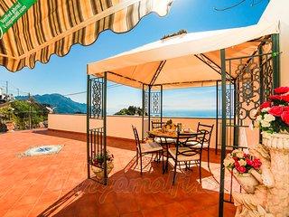LivingAmalfi: Il Sogno di Amalfi, luxury house. Big terrace, stunning sea view.