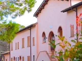 Capalbio-Retreat N.1: charming apartment x 6 near sea