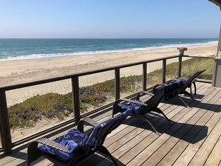 'Bella Vista' Oceanfront beach house