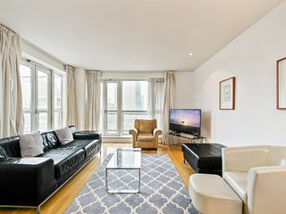 Stunning 2Bed, 2Bath apt w/Views of Canary Wharf