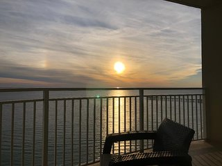 Beautiful 3 bdrm, 3 bath condo on the beach with gulf front views!