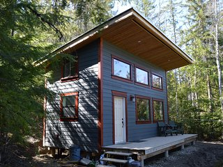 Private and Quiet Cabin in Outdoor Recreation Heaven!