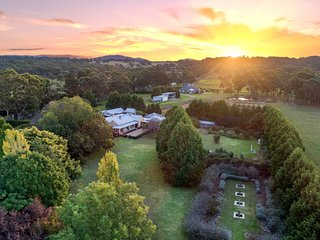 Aylmerton House + Cottage for 14, Southern Highlands - 4pm Check Out Sundays