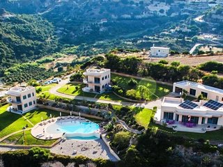 Kefalosbay Residence