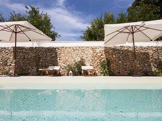 luxury courtyard pool