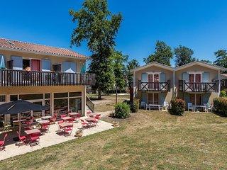 Appartement PROCHE DU COURS DU GOLF + Spa sur place