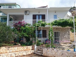 Two bedroom apartment Sevid (Trogir) (A-16897-a)