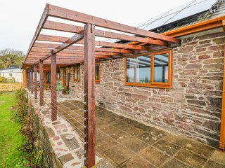 BROFALLEN, open-plan, WiFi, near Laugharne