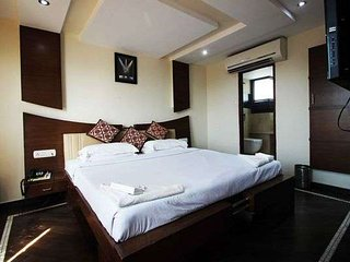 Temple View & Luxury Room Stay/madurai