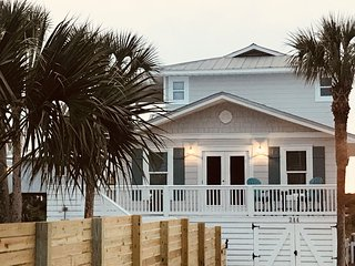 GRAYTON BEACH, Newly Remodeled & Steps Away From The Beach!