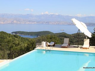 Luxury Private Pool and Tennis Court Villa Anemos