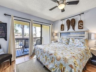 Newly Renovated & PET FRIENDLY condo located on the WEST end of PCB~BOOK now!