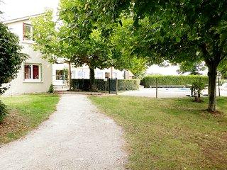 Grand gîte 15 personnes piscine,tennis,terrasse couverte MORVAN