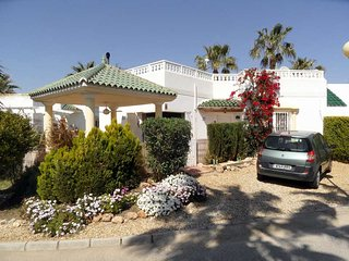 Casa Lucy, Lovely holiday home only 10 mins walk to beaches, WIFI, AIRCO etc