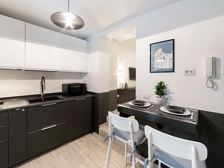 Stylish 1bed nest w/terrace, near Colosseo&Termini