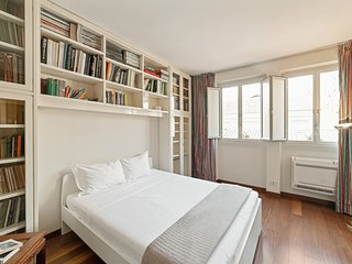 Pantheon, cosy and bright apartment!