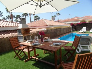 BEAUTIFUL VILLA 273 WITH PRIVATE POOL AND CAR INCLUDED !!