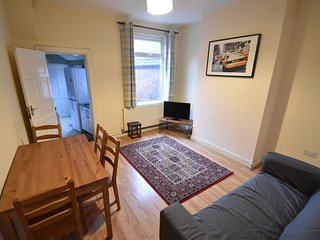 4 Bed Whole House City Centre (44BS)