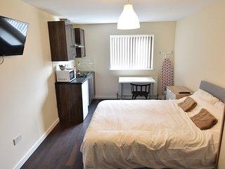 New Top Floor Studio Apartment