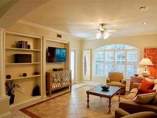 2BD Cozy Luxurious Home in the heart of Houston-Montrose, Upper Kirby River Oaks