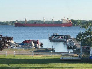 Seaway Slips Waterfront Cottages Ship Watch