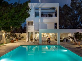 Perfect Athenian Villa