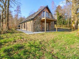 BOAT HOUSE, WiFi, Woodburner, Balcony, Invergarry