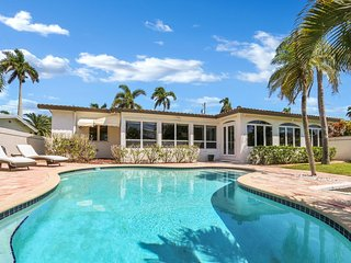 Waterfront House with Private Pool in the heart of Ft.Laudrrdale