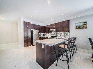 BRAND NEW CUSTOM BUILT HOME | 4 BED | 3.5 BATH