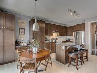 ENTIRE NEW HOME IN RICHMOND HILL 6 BED   3.5 BATH