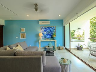 Exclusive Loft with Golf Course View & Pool facilities by olahola