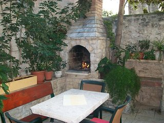 Trogir Apartment Sleeps 5 with Air Con and WiFi - 5784587