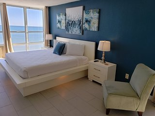 Newly Renovated Beachfront Studio~Sun N Sand 1014