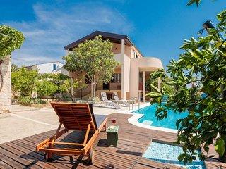 Villa Didovi Dvori - Adriatic Luxury Villas W124