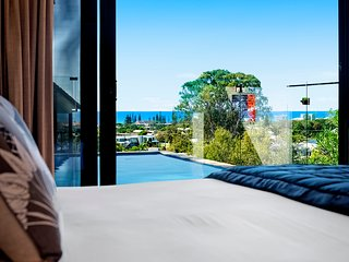 VOGUE HOLIDAY HOMES -THE VIEW  (STUNNING OCEAN VIEWS / HEATED POOL)