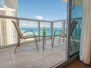 Sunny Isles Beach Miami-Luxurious Apartment Ocean front