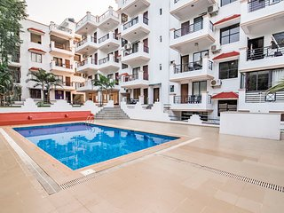 Chic 1 BHK with a pool, 1.6 km from Vagator Beach / 66925