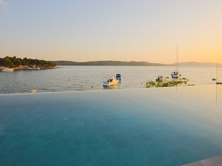 Beachfront Villa Deep Blue with Pool I