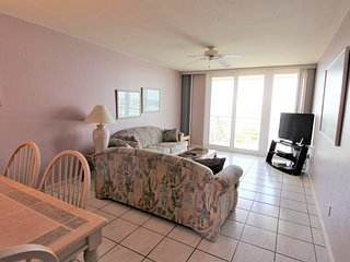 Beautiful Bahia Vista 5th Floor Condo w/ Panoramic Views, Free WiFi & More!