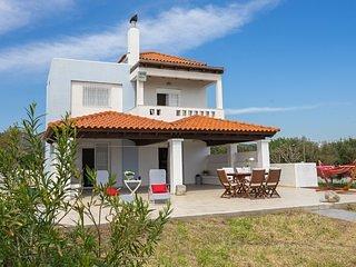 Alkion Villa - Beachfront house, holiday rental in Gennadi
