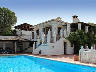 940 - 5 bed villa with private pool, near Mijas Pueblo