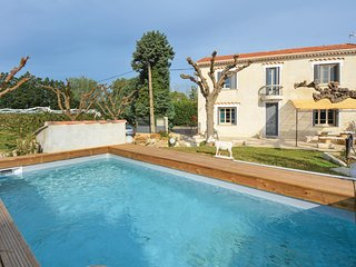 Nice home in Vallebregues w/ Outdoor swimming pool, Outdoor swimming pool and 3