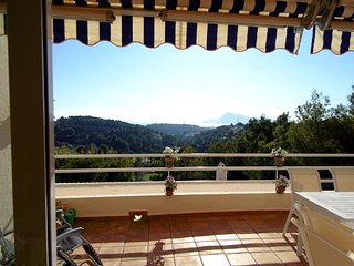 Ref 113: Overlooking the sea and the golf course from Altea (la Vella)