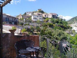 Casa nel borgo antico, tre camere, vista panoramica