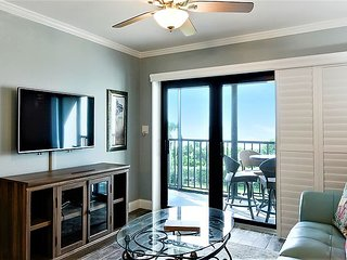 Land's End #302 building 10 - FULLY updated/Private balcony facing the GULF!!