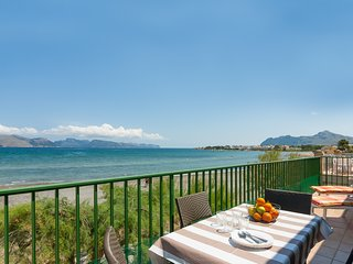 Apartamento Marina - Beachfront apartment in between Alcudia and Puerto Pollenca