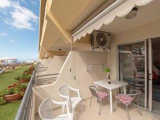 Costa Adeje, Bright, Sunny, Poolside Studio