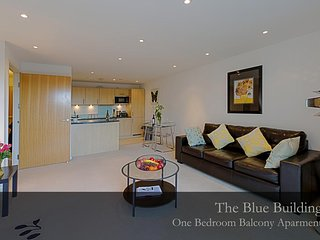 Gunwharf Quays Apartments One Bedroom Apartment with Balcony 2